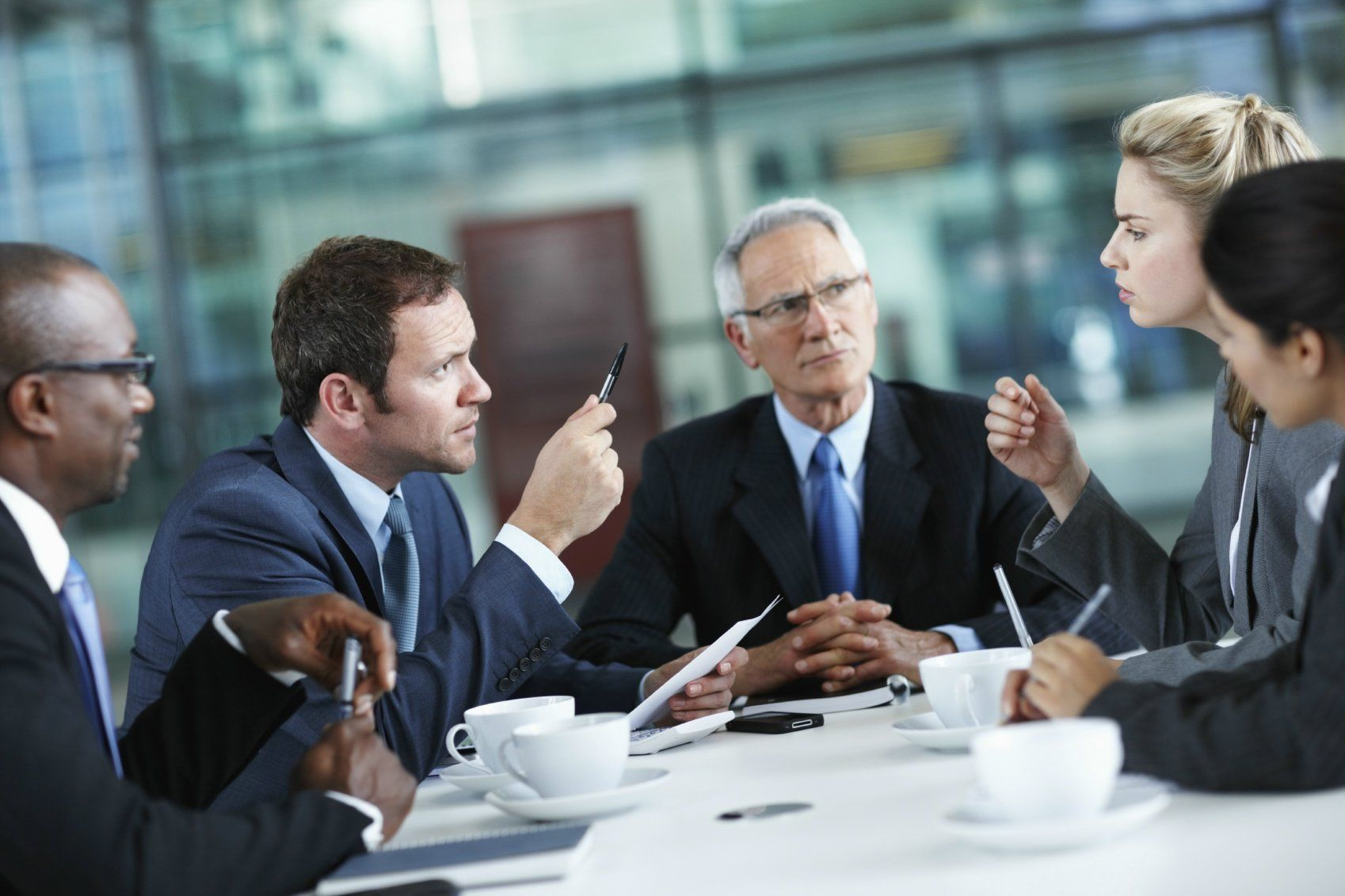 How To Retain The Services Of The Correct Lawyer Defense